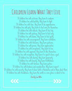 Los niños aprenden de lo que viven no de lo que les cuentan en casa o en la escuela. Un hogar basado en la comunicación y la cooperación es el soporte de toda historia de éxito. No lo olvidemos.