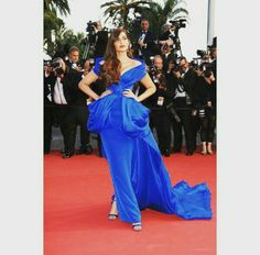 That's how it's done. Sonam Kapoor in Ralph and russo at Cannes 2015