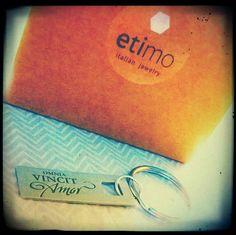 """Ciondolo in argento satinato """"Omnia vincit Amor"""" #etimo"""