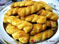 Greek Sweets, Greek Desserts, Greek Recipes, Sweets Recipes, Easter Recipes, Cookie Recipes, Greek Cookies, Yummy Cookies, Koulourakia Recipe