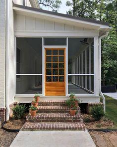 Rustic Farmhouse Porch Steps Decor Ideas (1)