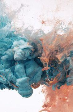 Tinta, óleo, água e outras substâncias misturadas proporcionam fotos incríveis
