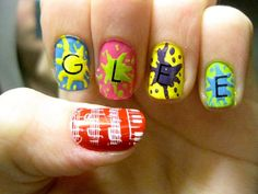 "FOX's ""Glee"" nail art"