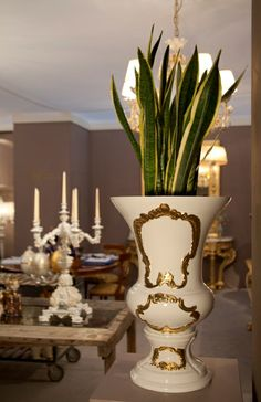 Big porcelain vase, painted gold