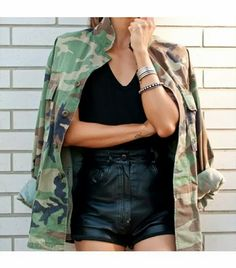 How to Chic: CAMO JACKET AND LEATHER SHORTS