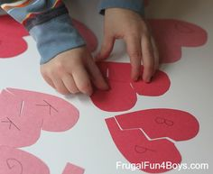 Alphabet Hearts Match-up Game - Frugal Fun For Boys and Girls Valentine Day Week, Valentines Day Activities, Valentines Day Party, Valentine Day Crafts, Holiday Crafts, Activities For Kids, Crafts For Kids, Alphabet Games, Preschool Alphabet