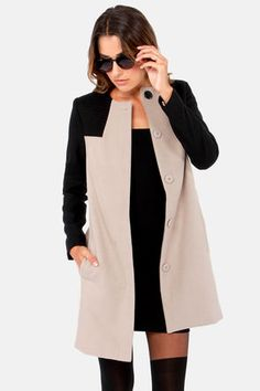 BB Dakota Hana Black and Taupe Coat at LuLus.com! This coat is gorgeous! Love it with a LBD! #lulus #holidaywear
