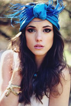 Los turbantes son el típico complemento que nos encanta, pero que a veces no nos atrevemos a llevar!   Inspirate en Grace Kelly o Audrey He...