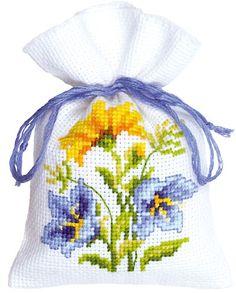 Bolsita Popurr�: Flores amarillas y azules 2 de Vervaco - Sacchettini Potpourri - Kits Bordado - Casa Cenina