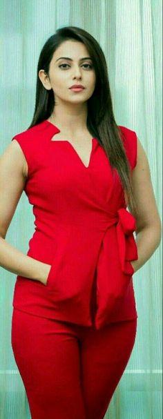 Dream Girls Photos: Rakul Preet Singh in Red Hot Dress Most Beautiful Indian Actress, Beautiful Actresses, Bollywood Fashion, Bollywood Actress, Fashion Week, Men's Fashion, Fashion Designer, Designer Wear, Indian Celebrities