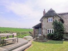 Thatchdown Cottage, Ryde Isle of Wight: http://www.cottages.co.uk/prop_page.php?id=912=29