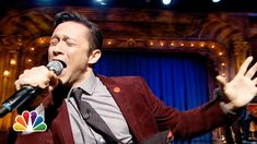 Joseph Gordon-Levitt, Stephen Merchant and Jimmy Fallon have an epic Lip Sync-Off!  http://www.youtube.com/watch?v=R4ajQ-foj2Q