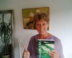 Vandaag heeft #pepperkay de eerste exemplaren van haar nieuwe boek #maalstroom in ontvangst genomen.