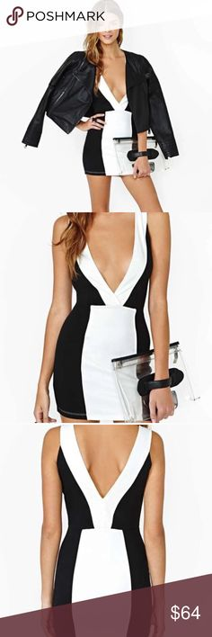 """Absolutely stunning black & white bodycon dress💕 Stunning black and white Bodycon dress. Perfect for the summer weather. Very church and must have for those of us that like to party. Made out of cotton & polyester material. MEASUREMENTS: ❤️SMALL: Shoulder width: 12""""  bust: 33"""" waist: 28"""" hip:33"""" length: 29""""❤️MEDIUM: shoulder width: 12"""" bust:33.8"""" waist: 29"""" hip: 34.6"""" length: 29.9"""" ❤️ LARGE: shoulder width: 12.9"""" bust: 34.6"""" waist:29.9"""" hip: 35.4"""" length: 30""""❤️ Dorimas Closet Dresses Mini"""