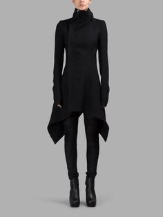 Rick Owens – Coats 09 3904 Source by carolfacca The post Rick Owens – Coats appeared first on How To Be Trendy. Mode Cyberpunk, Cyberpunk Fashion, Mode Outfits, Fashion Outfits, Womens Fashion, Fashion Fashion, Fashion Details, Runway Fashion, Fashion Trends