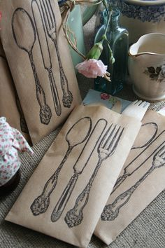 Love these silverware holders for party!