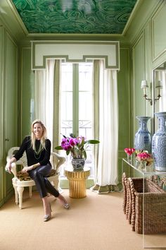 Suzanne Kasler's Home Maximalist Texas Home - Miles Redd Design modern home design interior Well-Designed: Shelley Johnstone Paschke's Green. Modern House Design, Home Design, Green Rooms, Green Walls, Interior Decorating, Interior Design, Cool Rooms, Chinoiserie, Apartment Design