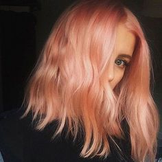 Meet one of the biggest colour trends for 2017! Blorange! A close cousin to the 2016 trend Rose Gold it is the merged word of Blood Orange! This particular hue is a perfect shade to introduce into the salon but it's only the beginning of many rainbow trends to be hitting us in 2017! Let us know! Like it or Loathe it? We Love it! #2017hairtrends #blorange #blonde #bloodorange #colour #redkencertifiedhaircolorist #brisbanehairdresser #brisbanesalon #brisbanecolourists #rainbowhair…