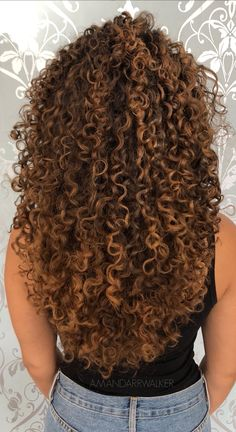 hairstyles for over curly hairstyles hairstyles with braids hairstyles hairstyles hair to curly hairstyles curly hair hairstyles 2020 female Ombre Curly Hair, Colored Curly Hair, Curly Hair Tips, Dyed Hair, Curly Hair Styles, Natural Hair Styles, Black Curly Hair, Highlights Curly Hair, Freundin Tattoos