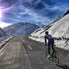 pedalitout: Beautiful and cold climb up to Flüelapass in the swiss alps… I love…