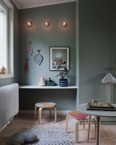 Peek Inside a Cozy Family Home in Stockholm With a Seamless Mix of High and Low Decor – NordicDesign - Home decor cozy Childrens Room Decor, Baby Room Decor, Living Room Decor, Green Kids Rooms, Replacement Furniture Legs, Deco Kids, Baby Room Design, Scandinavian Home, Kids Furniture