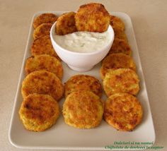 Zucchini and cheese baked cakes Diet Recipes, Vegetarian Recipes, Cooking Recipes, Healthy Recipes, Romanian Food, Quick Meals, Food For Thought, Kids Meals, Food To Make