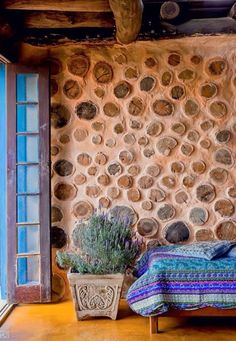 I haven't seen this textured faux wood wallpaper before. It would be an interesting choice to make in more contemporary spaces. Earthship, Cob Building, Green Building, Building A House, Casas Cordwood, Cordwood Homes, Tadelakt, Natural Homes, Wood Wallpaper
