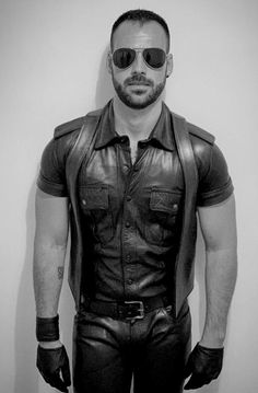 Handsome Men Quotes, Handsome Arab Men, Mens Leather Pants, Leather Gloves, Strong Woman Tattoos, Beautiful Women Quotes, Men Quotes Funny, Leder Outfits, Woman Sketch