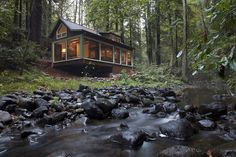 Creekside Cabin - Small House - Swoon Not that tiny but I love it! Cabins In The Woods, House In The Woods, Cottage In The Woods, Cabin Homes, Log Homes, Small House Swoon, Charming House, Little Cabin, Cabins And Cottages