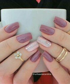 False nails have the advantage of offering a manicure worthy of the most advanced backstage and to hold longer than a simple nail polish. The problem is how to remove them without damaging your nails. Fancy Nails, Love Nails, My Nails, Perfect Nails, Gorgeous Nails, Nagel Blog, Pretty Nail Art, Bridal Nails, Stylish Nails