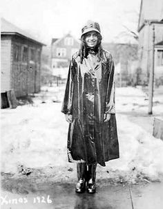 {In Style} Rainy Days, Circa Christmas 1926 Girls Raincoat, Pvc Raincoat, Hooded Raincoat, Urban Tribes, Vinyl Clothing, Rubber Raincoats, Rain Gear, Famous Models, Unisex