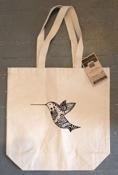 Discover recipes, home ideas, style inspiration and other ideas to try. Cotton Bag, Cotton Canvas, Diy Vetement, Custom Tote Bags, Bag Packaging, Linen Bag, Jute, Canvas Tote Bags, Purses And Bags