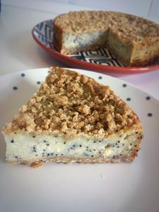 Cheesecake cu gris si mac – Mamipetocuri.com Dessert Recipes, Desserts, Cheesecakes, Banana Bread, Mac, Gluten, Sweets, Food, Pie