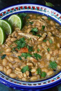 White #Chili Recipe with beans, chicken, onion, variety of chiles
