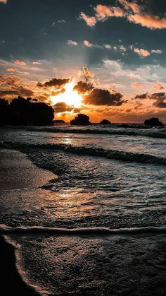 Beach Sunset Wallpaper, Ocean Wallpaper, Summer Wallpaper, Iphone Background Wallpaper, Sunset Beach, Beach Sunsets, Mobile Wallpaper, Pink Wallpaper, Sunrise And Sunset