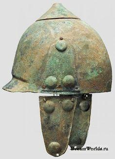 Самый распространенный стиль - монтефортино, бронзовый шлем, названный в честь кладбища галлов-сенонов в северной Италии, где их было найдено множество.