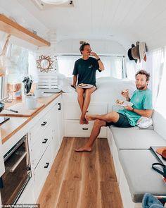 Van Conversion Interior, Camper Van Conversion Diy, Kombi Trailer, Camper Trailers, Kombi Camper, Van Life, Kombi Home, Bus Living, Caravan Renovation