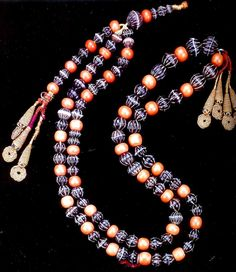 Prayer beads, coral and agate, 18th c India