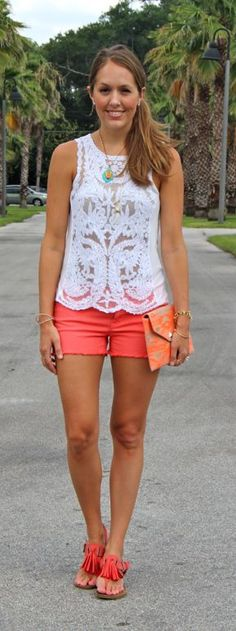 Today's Everyday Fashion: The Printed Clutch — J's Everyday Fashion shorts shorts shorts shorts outfits shorts Cute Summer Outfits, Short Outfits, Spring Outfits, Casual Outfits, Cute Outfits, Fashion Outfits, Summer Shorts, Fashion Tips, Fashion Trends