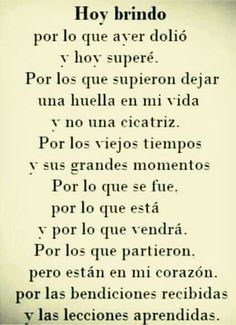 Positive Phrases, Motivational Phrases, Positive Quotes, Spanish Inspirational Quotes, Spanish Quotes, Smile Quotes, True Quotes, Love Phrases, True Words