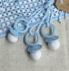Chupete amigurumi amigurumi Crochet Baby Toys, Crochet Owls, Crochet Diy, Crochet Animals, Crochet For Kids, Crochet Clothes, Crochet Stitches, Nursery Patterns, Baby Patterns