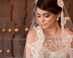 Alencon Lace veil style with beaded lace edge by VanyaBvlgari