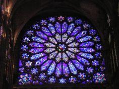 galaaz: Outubro 2005  galaaz.blogspot.com640 × 480Buscar por imágenes  __ Mosteiro de Saint Denis: a grande rosácea da fachada principal vista do interior da igreja.
