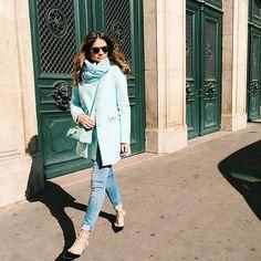 Combinando com esse dia totalmente azul de Paris!!! Como essa cidade é linda e abençoada né?! #ootd #shadesofblue #btviaja #thassiaemparis #chicoutletshopping #lavalleevillage #lookoftheday