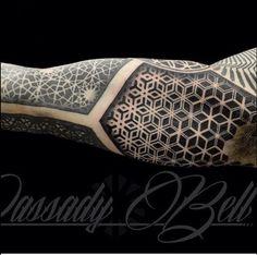 Dassady Belle sleeve work. Futuristic patterns