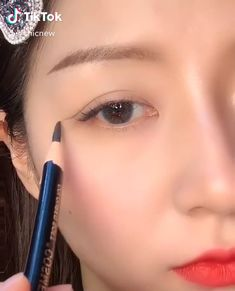 Makeup Looks Tutorial, Smokey Eye Makeup Tutorial, Eyebrow Makeup, Eyeshadow Makeup, Makeup Eyes, Maquillage Yeux Cut Crease, Korean Eye Makeup, Asian Makeup Tips, Blaues Make-up