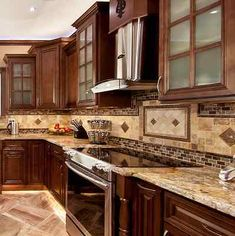 Modern And Trendy Kitchen Cabinets Ideas And Design Tips – Home Decor World Solid Wood Kitchen Cabinets, Solid Wood Kitchens, Built In Cabinets, Painting Kitchen Cabinets, Kitchen Cabinetry, Cool Kitchens, Kitchen Counters, Kitchen Islands, Soapstone Kitchen