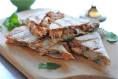 Buffalo Chicken Quesadillas #Beanitos #Tailgate