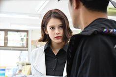 emma「わにとかげぎす」第8話(C)TBS  プロデューサー・峠田浩は、emmaさんの「芯のしっかりとした女性でありながら、ミステリアスさも併せ持つイメージ」が役にぴったりだということでオファー。