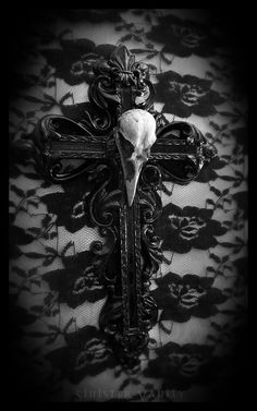 Gothic Cross Crow Skull Goth Ornate Wall Cross Decor i want to make this i need to find a DIY project for it Cross Wall Decor, Crosses Decor, Wall Crosses, Crow Skull, Gothic Crosses, Goth Home, Gothic Aesthetic, Gothic House, Skull And Bones